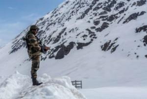 Winter arrives in Ladakh, stretchers 5